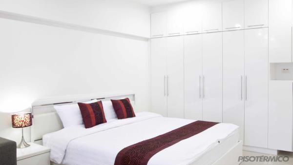 Como eliminar traças, umidade e mofo do seu closet ou roupeiro?
